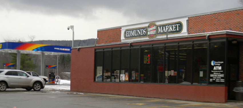 Edmunds' Market is a full service Hannaford Independent